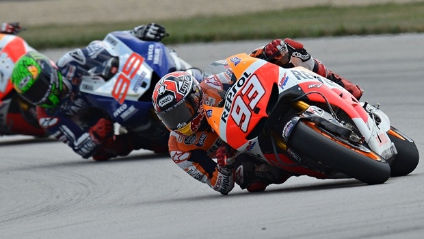 marc-marquez-indianapolis-elbow-scraping