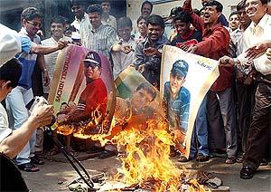 Indian fans burn